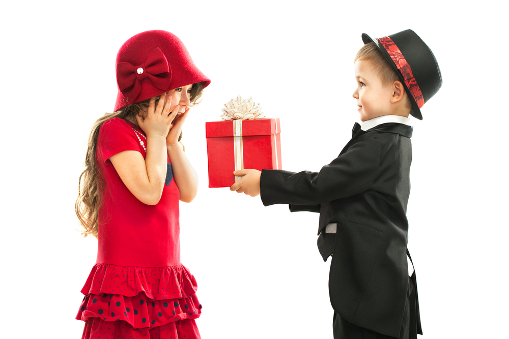 Your Holiday Guide to Teaching Children to Enjoy Giving